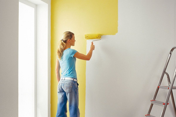 красить стены вододисперсионной краской