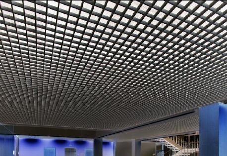 9 причин установить черный потолок Грильято