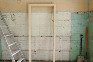 какие бывают варианты бюджетной отделки стен